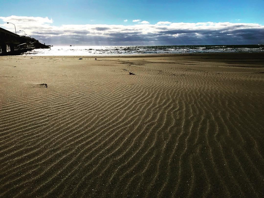 様似町の波のような砂跡 | 北海道ミライノート