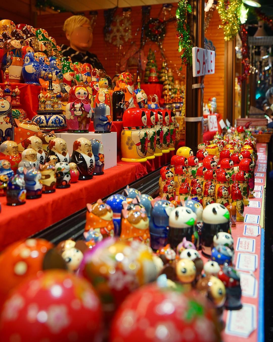 クリスマス市のマトリョーシカ人形