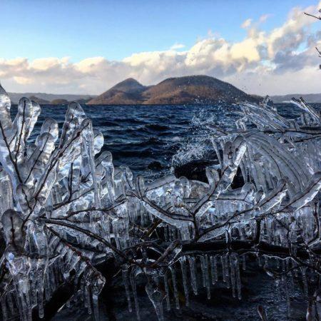 洞爺湖畔のしぶき氷