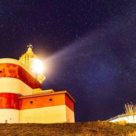 夜の日和山灯台