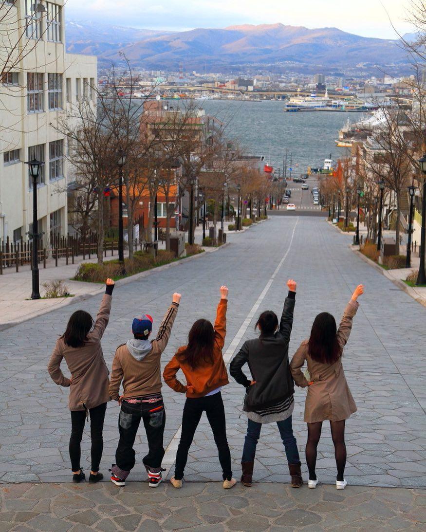 函館の若者5人組