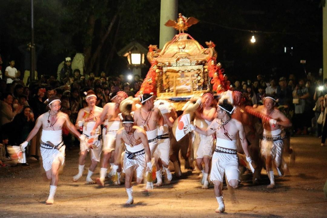 岩内神社例大祭のお宮入り