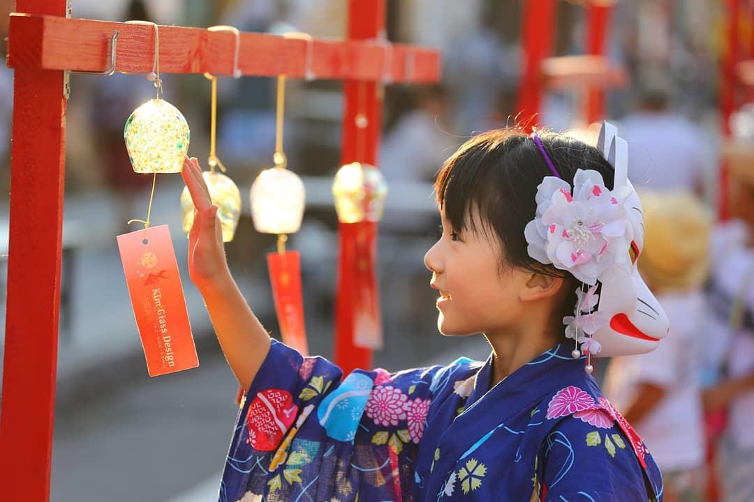 Wind bells and girl wearing yukata