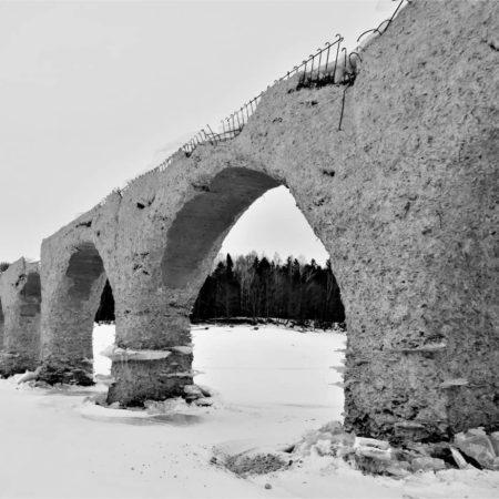 モノクロのタウシュベツ川橋梁