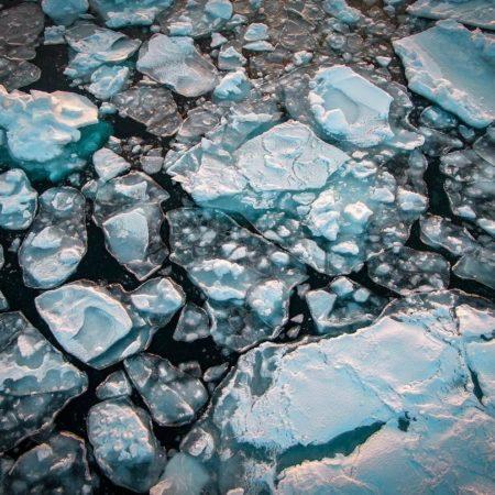 網走市にやってきた流氷