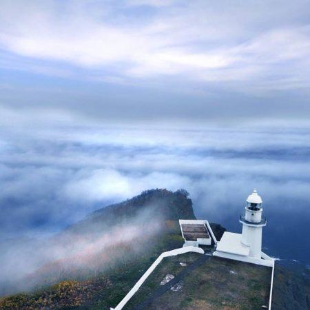 海霧の押し寄せる地球岬