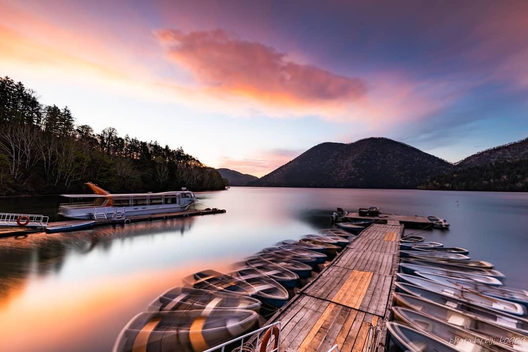 然別湖と朝焼け