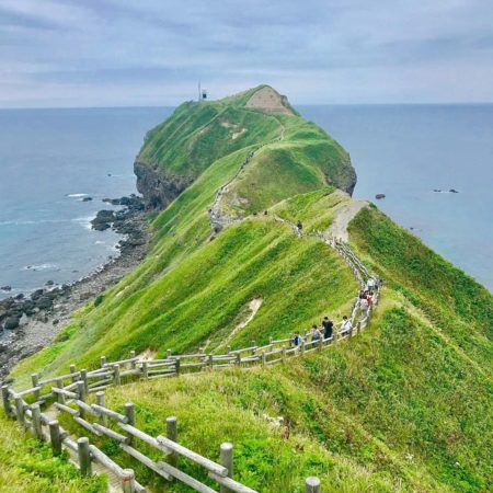 積丹町の神威岬