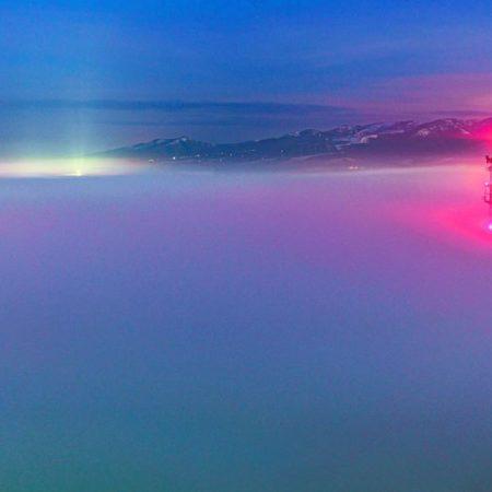 白鳥大橋を飲み込む雲海