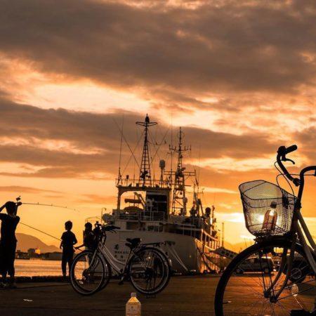 函館市の夕方の港