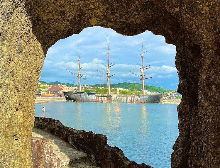 江差町のトンネルと船