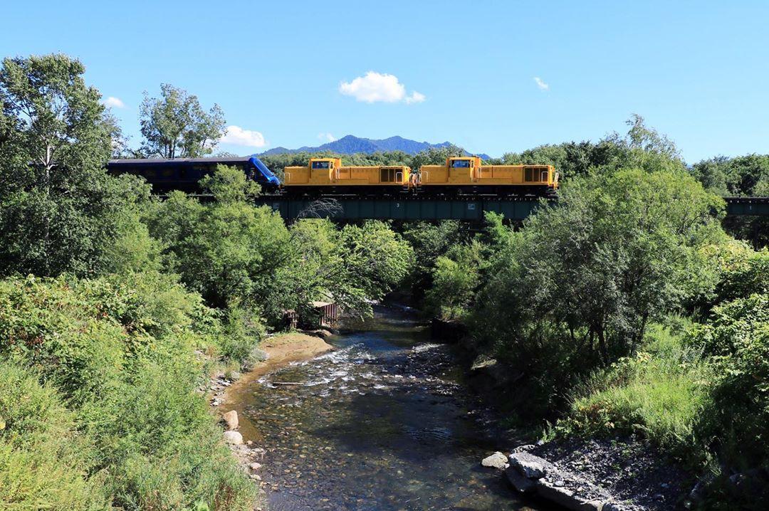 遠軽町を走る列車