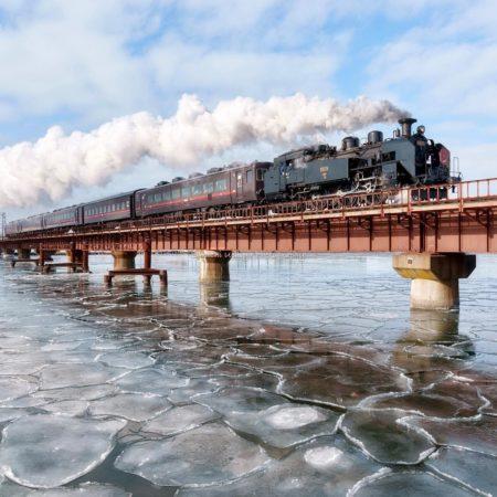 釧路市の汽車と橋