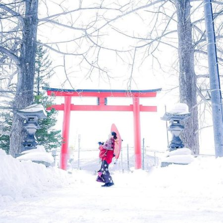 Woman in the snow (Asahikawa)