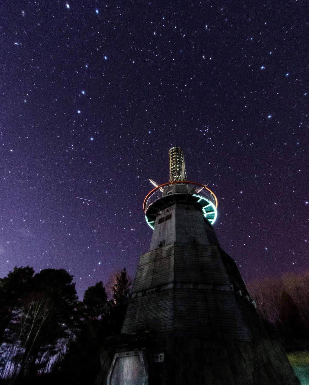Night sky and steel tower (Shimokawa)