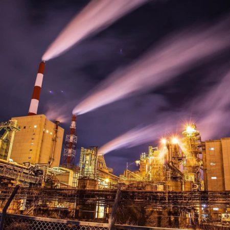 製紙工場の夜景(苫小牧市)