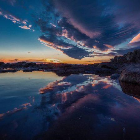 夕陽が差す美しい夏の海(留萌市)