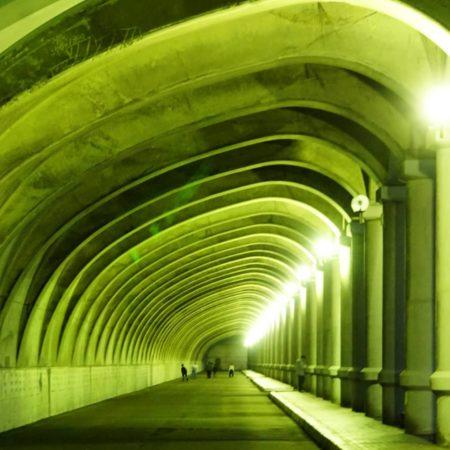 神秘的な夜の防波堤ドーム(稚内市)