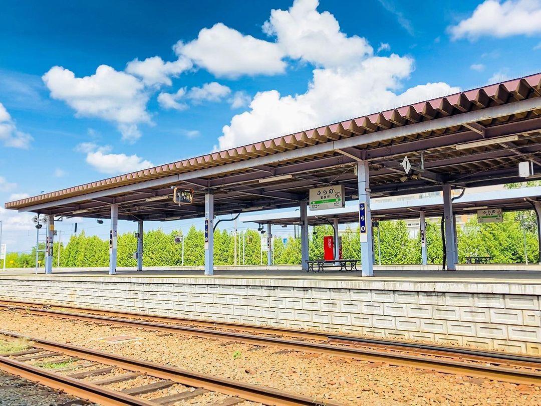 富良野駅のプラットホーム(富良野市)